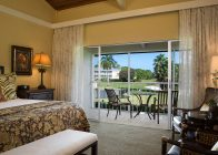 Golf Course King Guestroom
