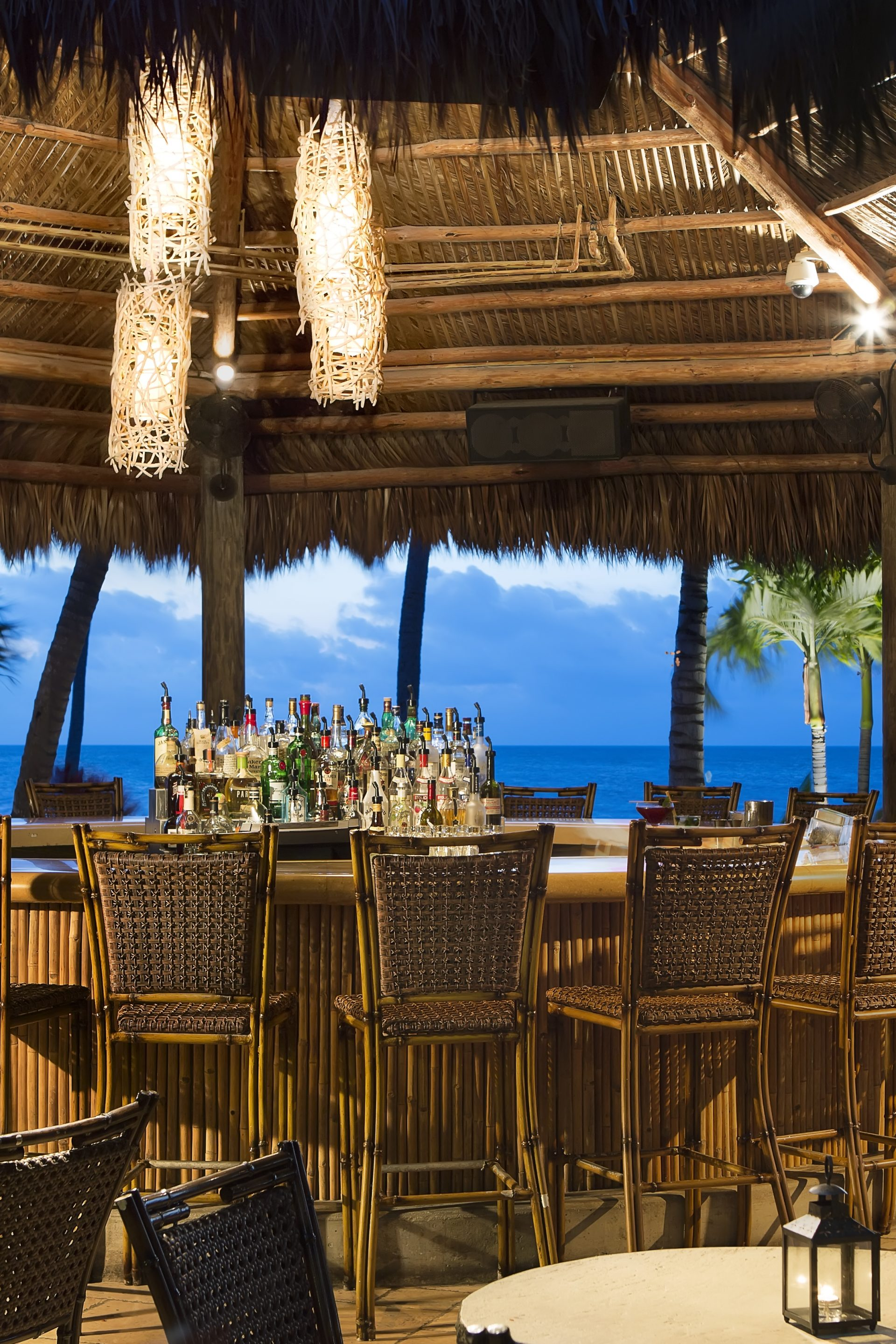 Luxurious Dining Outdoors in the Tiki Bar